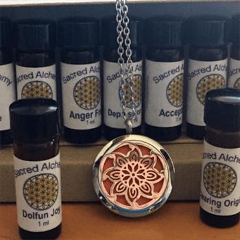 aromatherpy pendant w oils