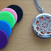 aromatherpy pendant w pads